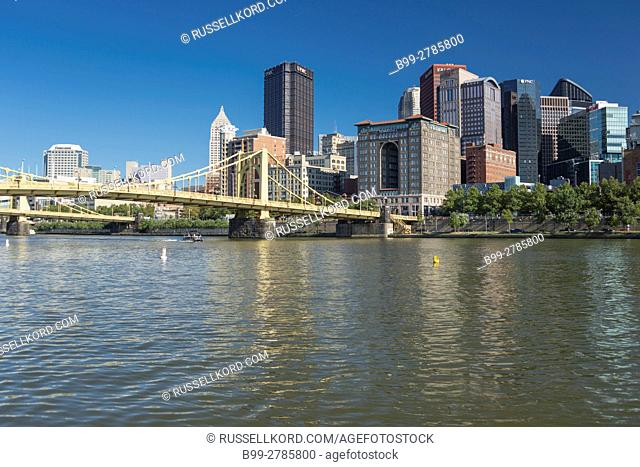 ALLEGHENY RIVER DOWNTOWN SKYLINE PITTSBURGH PENNSYLVANIA USA