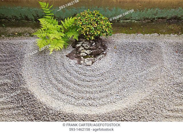 A small rock garden in Ryogen-in Zen temple inside the Ditoku-ji temple complex