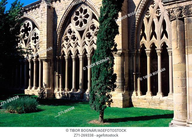 Cloister in 'La Seu Vella' (the old cathedral). Lleida. Catalonia. Spain