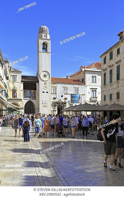 Stradun main street and Clock Tower in Luza Square, Dubrovnik Old City, Croatia, UNESCO world heritage site, Dalmatia, Dalmatian Coast, Europe