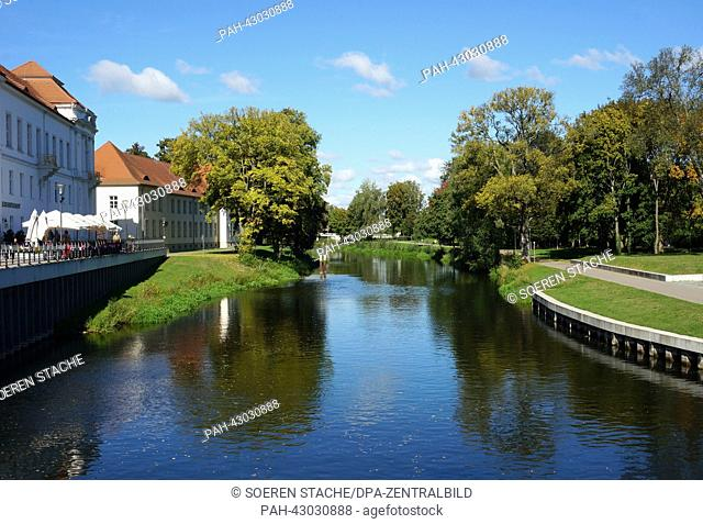 A canal near the Oranianburg castle is pictured in Oranienburg, Germany, 29 September 2013. Photo:Soeren Stache | usage worldwide