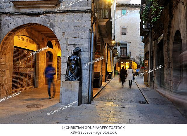 sculpture by Fidel Aguilar (1894-1917), Carrer dels Mercaders, Girona, Catalonia, Spain, Europe