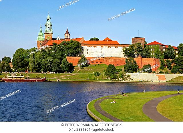 Views of Wawel Castle and Vistula River in Krakow, Poland, Europe, 3. July 2004