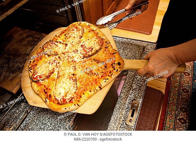 eggplant parmesan pizza preparation