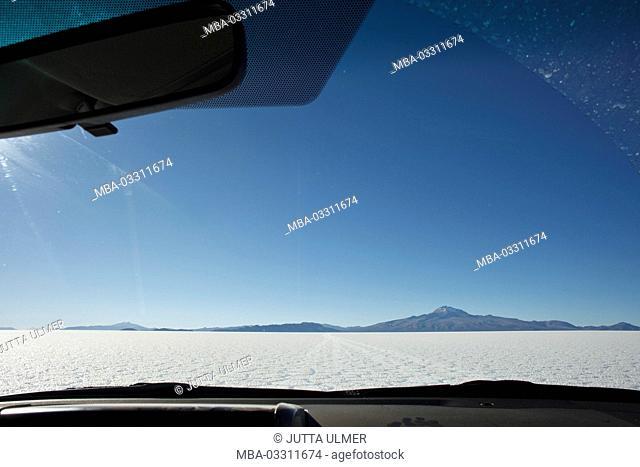 Bolivia, Salar de Uyuni, car