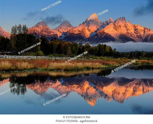 pattern nature beauty mountain peaks reflect in