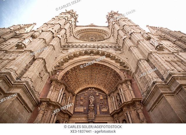 Gothic Cathedral of Santa Maria of Palma, main door. Palma, Majorca, Balearic Islands, Spain