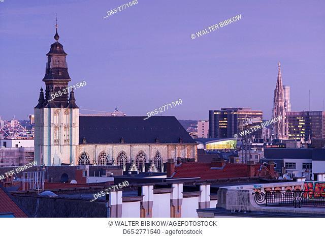 Belgium, Brussels, Place Poelaert, elevated view of the Eglise de la Chapelle church, dawn
