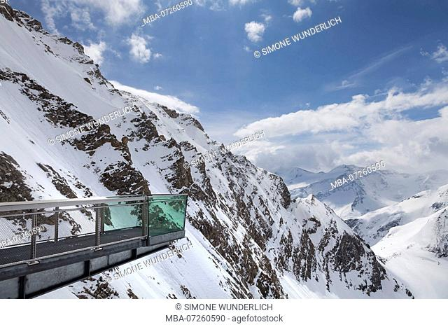 Observation platform at the Kitzsteinhorn, high alpine landscape in Austria