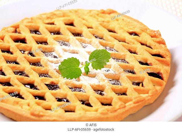 Lattice topped cake