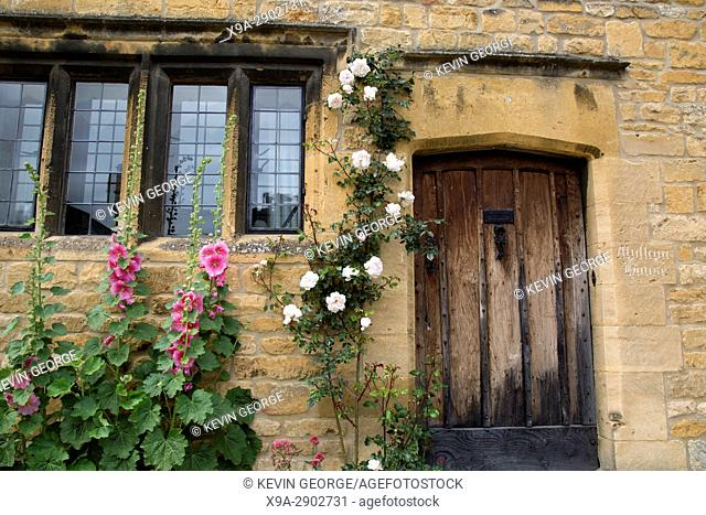 Entrance to House with Flowers, Chipping Campden, Cotswolds, England, UK