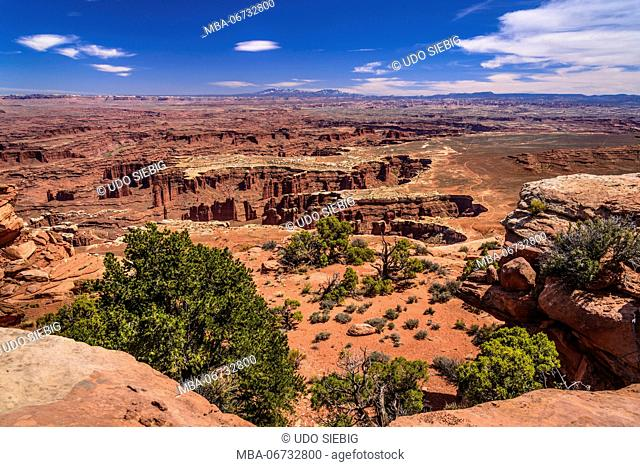 The USA, Utah, San Juan county, Moab, Canyonlands National Park, Island in the Sky, Grand View Point Overlook towards Abajo Mountains