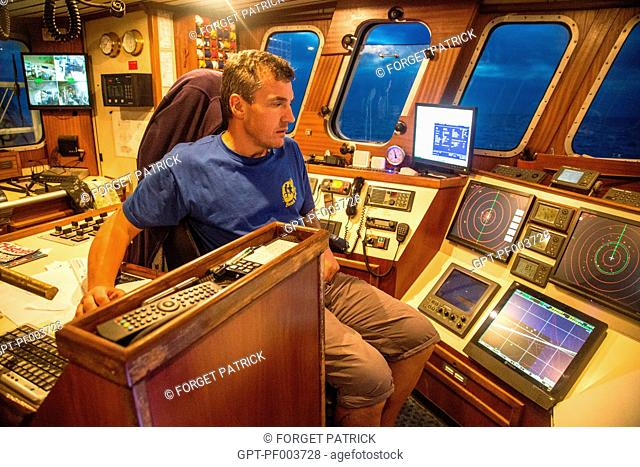 THIERRY EVAIN, HEAD OF THE QUENTIN-GREGOIRE, AT THE HELM, SEA FISHING ON A SHRIMP TRAWLER OFF THE COAST OF SABLES-D'OLONNE, (85) VENDEE, LOIRE REGION, FRANCE