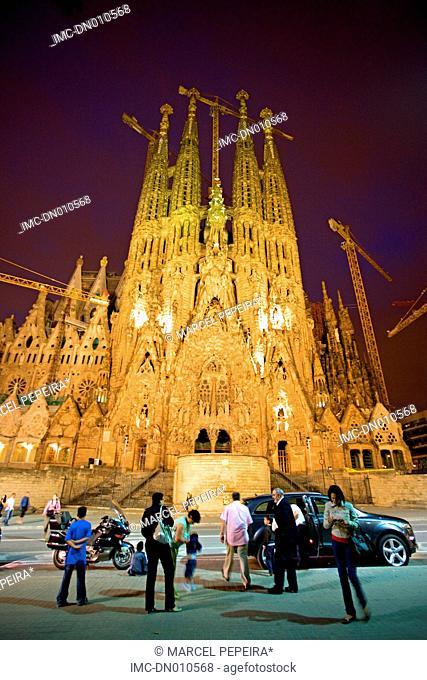 Spain, Catalonia, Barcelona, Sagrada Familia by night