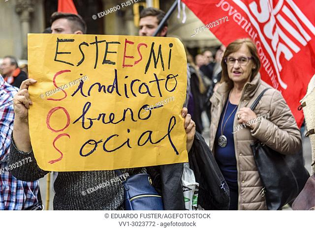 Barcelona, Catalonia, Spain. 18nd Mar, 2018. Pensioners & young people from all around Spain took part in a nationwide demonstration to protest the government's...
