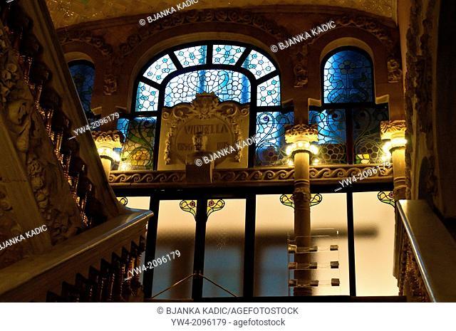 Staircase, Concert hall Palau de la Musica Catalana, Barcelona, Catalonia, Spain