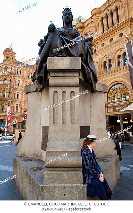 Queen Victoria statue and a student, Sydney, New South Wales, Australia