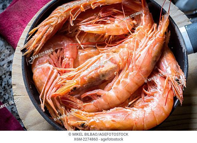 King prawns on a frying pan