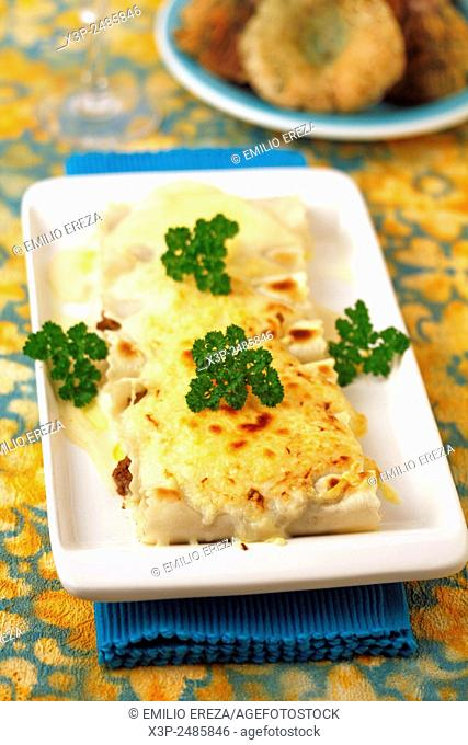 Stuffed cannelloni with milk caps (mushrooms)