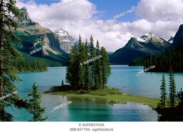 Spirit Island Maligne Lake Jasper National Park Alberta, Canada