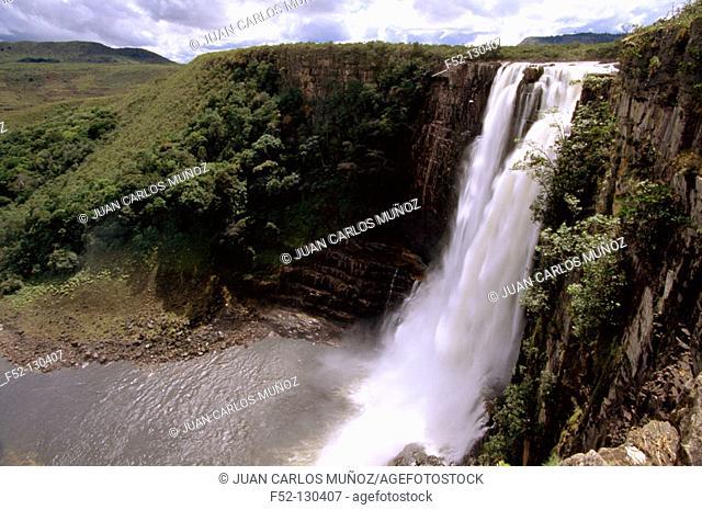 Chinak-Merú Falls (aka Aponwao Falls). Canaima National Park. Venezuela