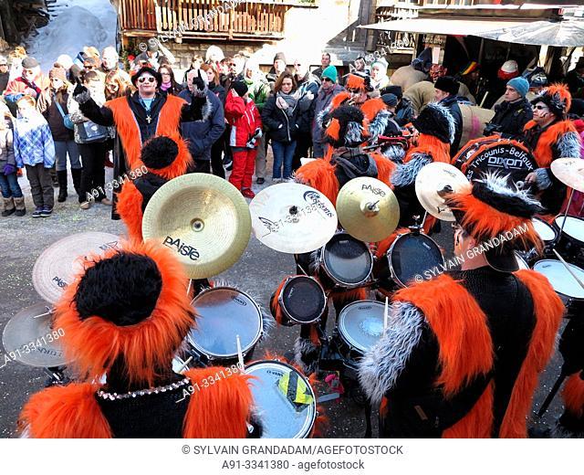 Switzerland, Valais, Herens valley, Evolene, Mardi Gras carnival / Suisse, Valais, Val d'Herens, Evolene, carnaval du Mardi Gras