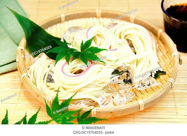 Hiyamugi (Japanese coold noodle)