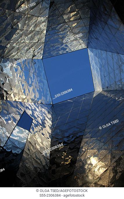 Museu Blau, Museu de ciencies naturals, Blue Museum, by Swiss architects Jacques Herzog and Pierre de Meuron, Forum building, Diagonal Avenue, Barcelona