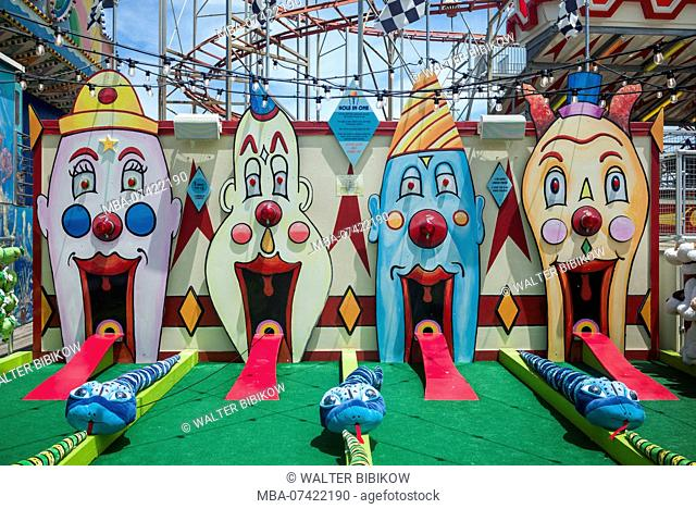 USA, New Jersey, The Jersey Shore, Wildwoods, Wildwoods Beach Boardwalk, amusement park game