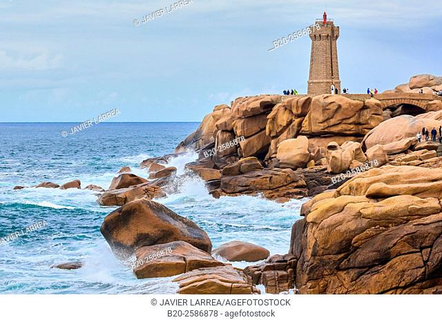 Mean Ruz Lighthouse, Giant rocks at the Côte de Granit Rose, Pink Granite Coast, Ploumanac'h, Perros-Guirec, Bretagne, Brittany, France