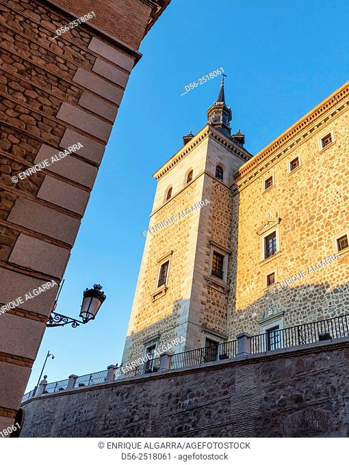 El Alcazar, built in the XVI century following the designs of architect Alonso de Covarrubias Almost totally destroyed in 1936