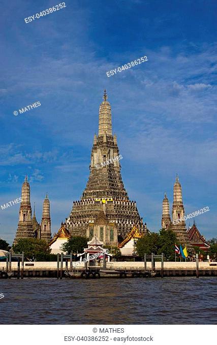Wat Arun - The Temple of Dawn on the Chao Phraya river, Bangkok, Thailand