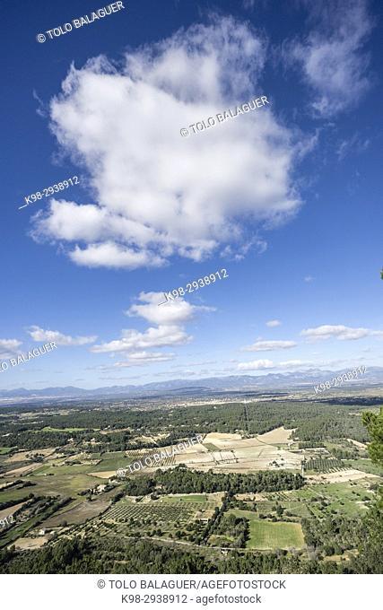 cumulos sobre el llano de mallorca, Algaida, Mallorca, Balearic Islands, Spain