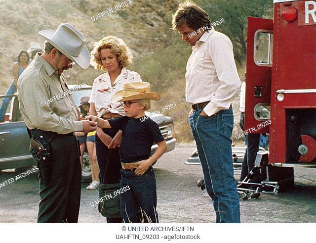 Death Valley, USA 1982, Regie: Dick Richards, Darsteller: (v. l.) Wilford Brimley, Catherine Hicks, Peter Billingsley, Paul Le Mat