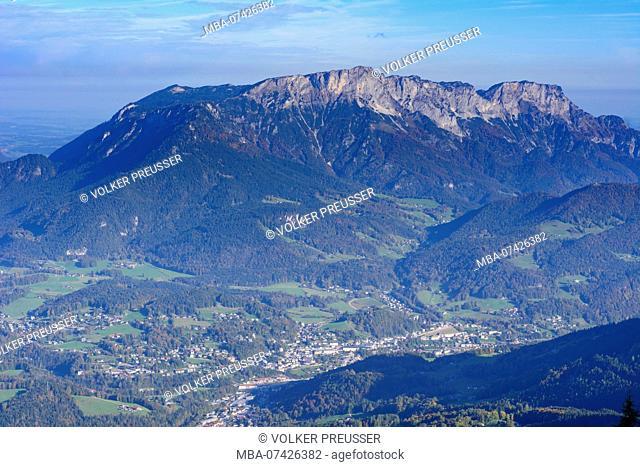 national park Berchtesgaden, View from viewpoint Vogelstein to Berchtesgaden and mountain Untersberg, Oberbayern, Berchtesgadener Land, Upper Bavaria, Bavaria