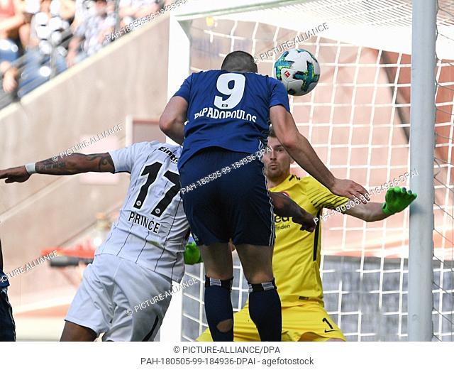 05 May 2018, Germany, Frankfurt/Main: Soccer, Bundesliga, Eintracht Frankfurt vs Hamburger SV at the Commerzbank-Arena. Hamburg's Kyriakos Papadopoulos (c) and...