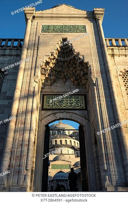 Front entrance to the inner courtyard of the Sultan Ahmet or Blue Mosque, Sultanahmet, Istanbul, Turkey