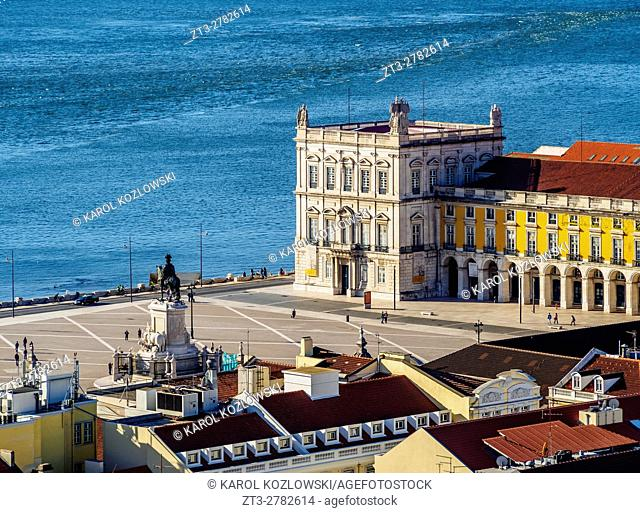 Portugal, Lisbon, Praca do Comercio and Tagus River viewed from the Sao Jorge Castle