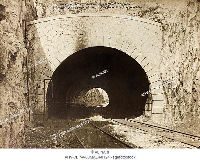 Album Italo-Austrian War 1915-1918 pigeons: Leadership Corps of Engineers 2nd Area 3rd army, railway tunnel is in the Fogliano - Sagrado, shot 1915-1918