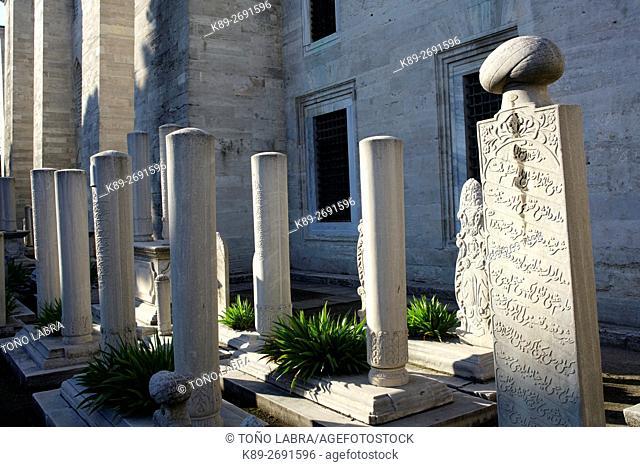 Ottoman cemetery at Suleymaniye Mosque (by Mimar Sinan). Istanbul. Turkey