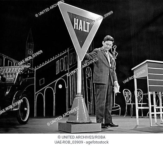 """Hans Rosenthal als Quizmaster der Show """"""""Und das Programm geht weiter"""""""", Deutschland Anfang 1960er Jahre"""