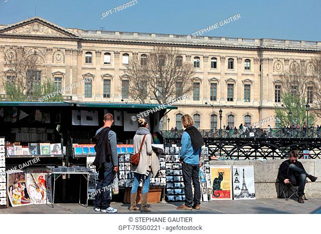 USED BOOKSELLER SET UP ON THE BANKS OF THE SEINE NEAR THE SAMARITAINE, QUAI CONTI, PARIS 75, ILE-DE-FRANCE, FRANCE