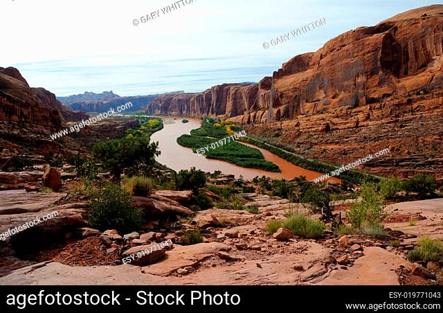 Moab Rim Jeep Trail above Colorado River