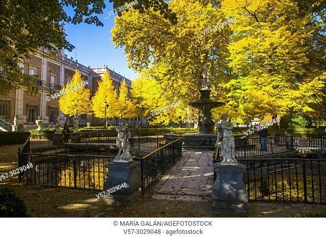 La Isla Garden in Autumn. Aranjuez, Madrid province, Spain