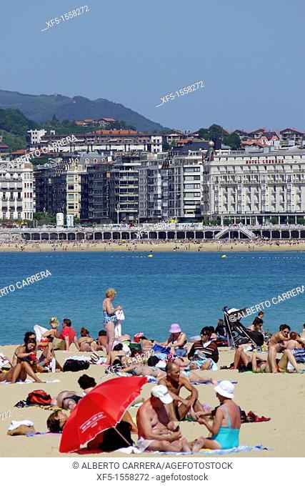 La Concha Beach and town, San Sebastián, Donostia, Guipuzcoa, Basque Country, Spain