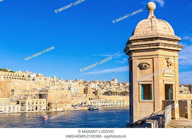 Malta, Valletta, city listed as World Heritage by UNESCO, view from the gardens Gardjola (Senglea) and watchtower of the mid-16th century