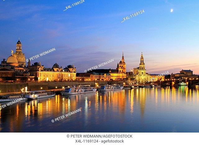 View on the baroque old part of town with the Bruehlsche Terrassen terraces at dusk, Dresden, Saxony, Germany