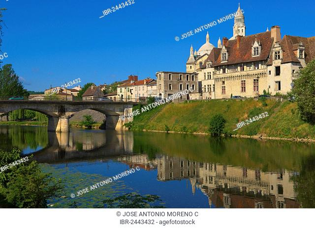 Saint Front Cathedral, World Heritage Site of the Routes of Santiago de Compostela in France, Isle River, Perigueux, Perigord Blanc, Dordogne, Aquitaine, France