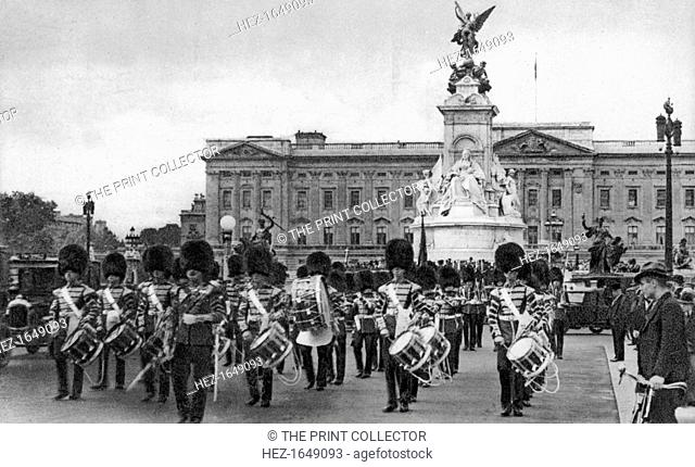 Guards in The Mall, London, early 20th century
