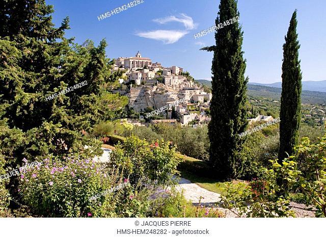 France, Vaucluse, Gordes, labelled the Plus Beaux Villages de France the Most Beautiful Villages of France
